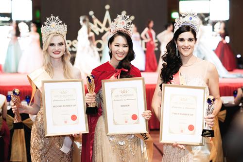Duong Thuy Linh xin loi vi vi pham ban quyen video thi Mrs. Worldwide
