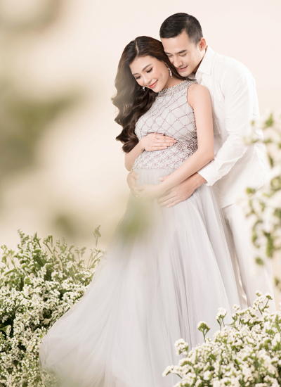 Thuy Diem chia se hinh anh hanh phuc khi mang thai