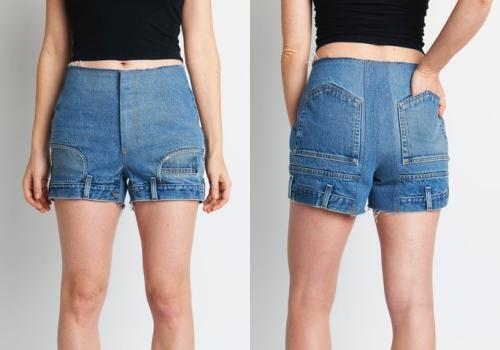 Mẫu quần El với thiết kế gấu trở thành cạp quần và ngược lại. Phần túi trước và sau cũng được làm lộn ngược.