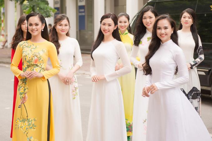 Guong mat dep nhat Hoa hau Hoan vu VN 2017 lai thi nhan sac