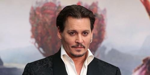 Thành vien doàn phim City of Lies kiẹn Johnny Depp bạo hành