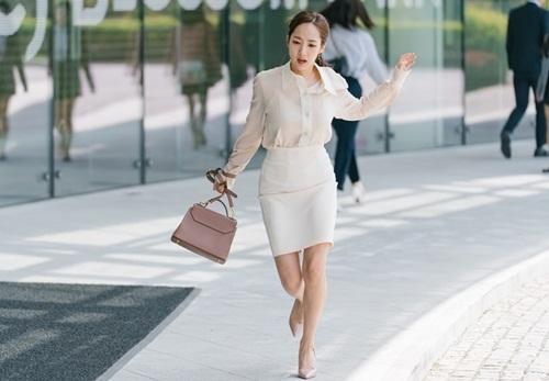 Thư ký Kim gây sốt vì khuyên dân công sở tận hưởng cuộc sống - ảnh 3