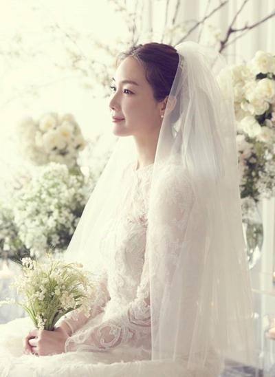 Choi Ji Woo thua nhan chong kem 9 tuoi
