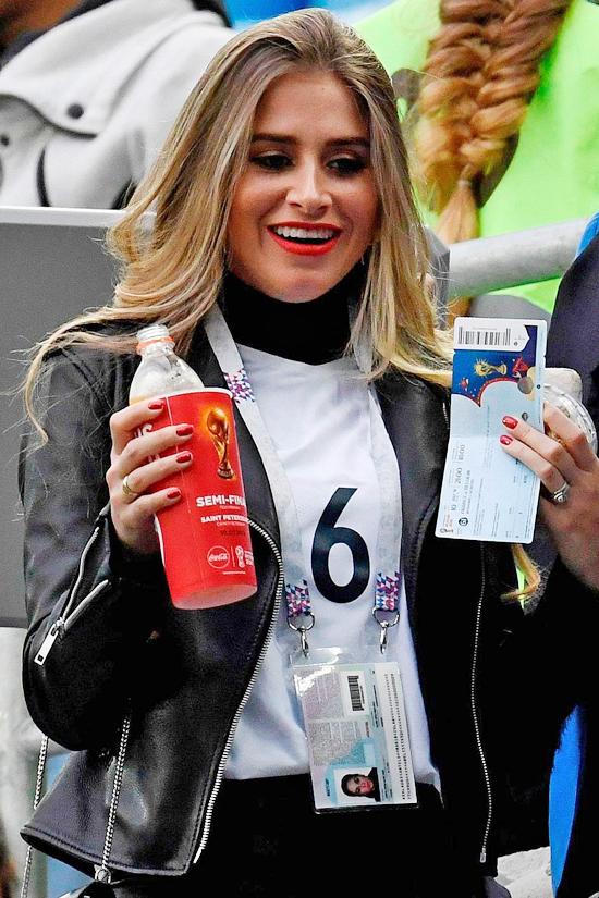 Nhan sắc bạn gái tiền vệ Pogba của đội tuyển Pháp