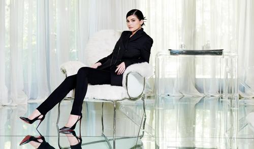 Kylie Jenner sở hữu tài sản 900 triệu USD chỉ sau ba năm kinh doanh.