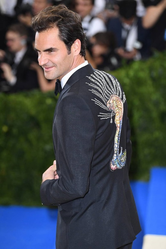 Roger Federer - tay vợt ăn vận lịch thiệp của làng bóng nỉ