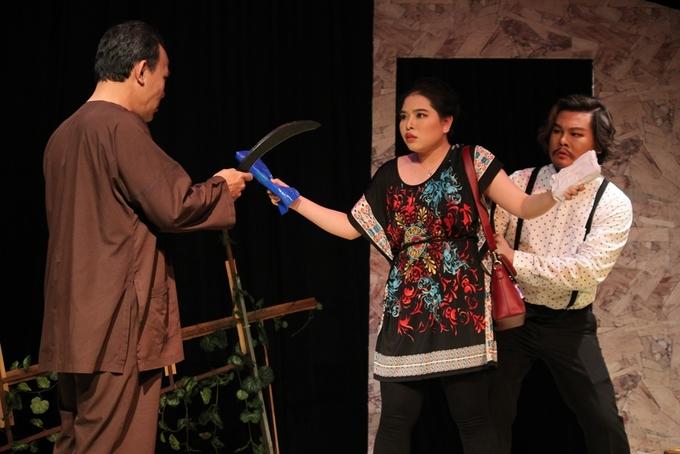 Kich Troi trao cua la - tieng cuoi duyen ve tinh lang xom
