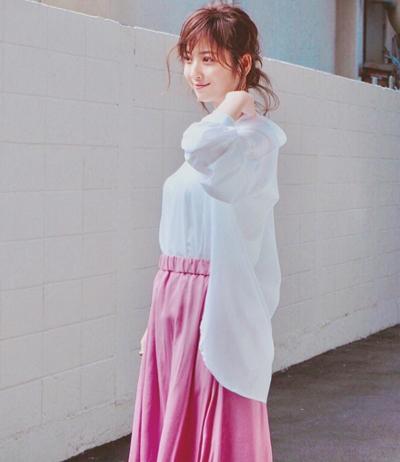 Trang phục giấu bụng bầu của Mỹ nhân đẹp nhất Nhật Bản - ảnh 5