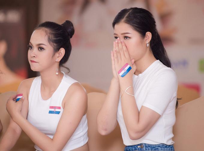 Thi sinh Hoa hau Viet Nam khoc khi Croatia thua Phap