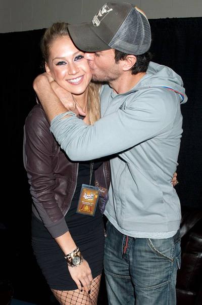 Enrique Iglesias va Anna Kournikova 17 nam hanh phuc khong mang hon thu