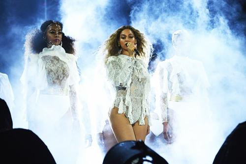 Beyonce thành công với năm tour diễn lớn.