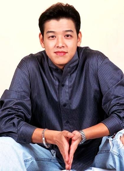 Ngoại hình gây sốt một thời của Hoàng tử Hallyu Ryu Shi Won - 9
