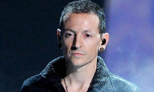 Linkin Park tưởng nhớ một năm ngày Chester Bennington qua đời - Giải Trí