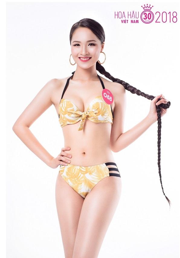 Thi sinh Hoa hau Viet Nam khoe sac voc voi bikini