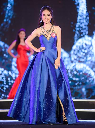 Phạm Ngọc Hà My trong phần thi trang phục dạ hội.