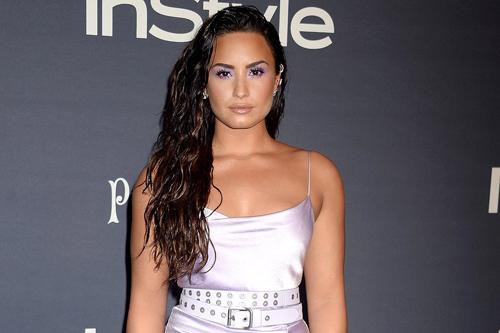 Demi Lovato bát tỉnh vì dùng heroin quá lièu