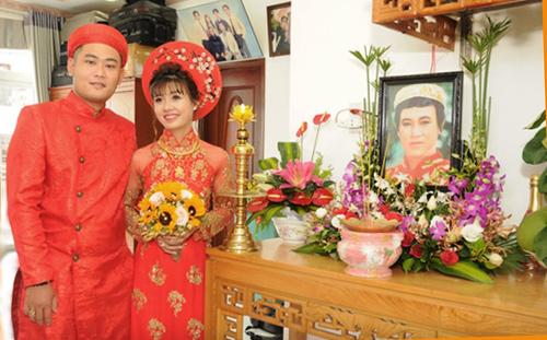 Con trai co NSUT Thanh Sang cuoi y ta tung cham soc cha