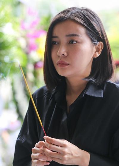 Diễn viên Cao Thái Hà từng đóng chung phim với cố nghệ sĩ, cô hay gọi anh bằng tía, xưng là con.