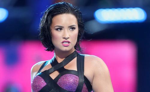 Demi Lovato nghiện ma túy từ năm 17 tuổi.