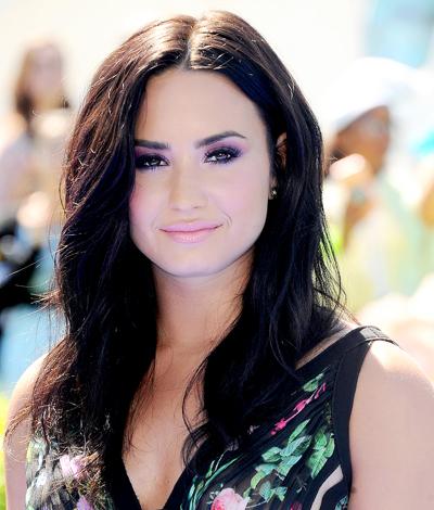 Demi Lovato vãn non và sót cao sau khi sóc ma túy