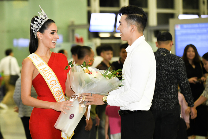 Miss Global 2017 den Ha Noi