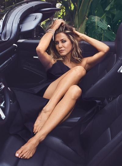 Jennifer Aniston khong buon vi ly hon Justin Theroux