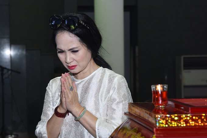 Dong nghiep gia dinh tien biet NSUT Bui Cuong