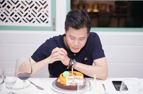 Con trai Quang Dung hat mung sinh nhat bo