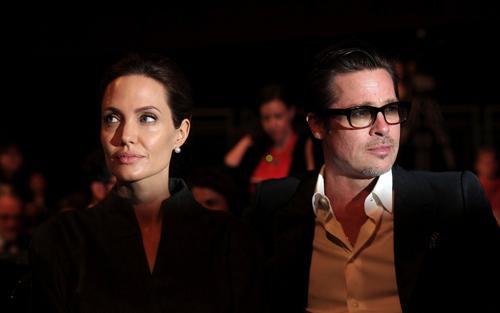 Jolie-Pitt càn phan chia nhũng tài sản gì khi ly hon