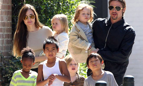 Chuyen gia uoc tinh so tien Angelina Jolie và Brad Pitt chi cho sau con