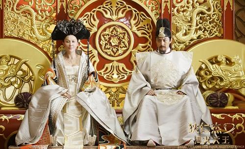 Ở thời điểm câu chuyện, Võ Tắc Thiên (trái) đang là hoàng hậu và thể hiện tham vọng quyền lực.
