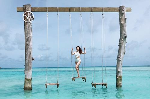 Bao Thy mac bikini tao dang o Maldives