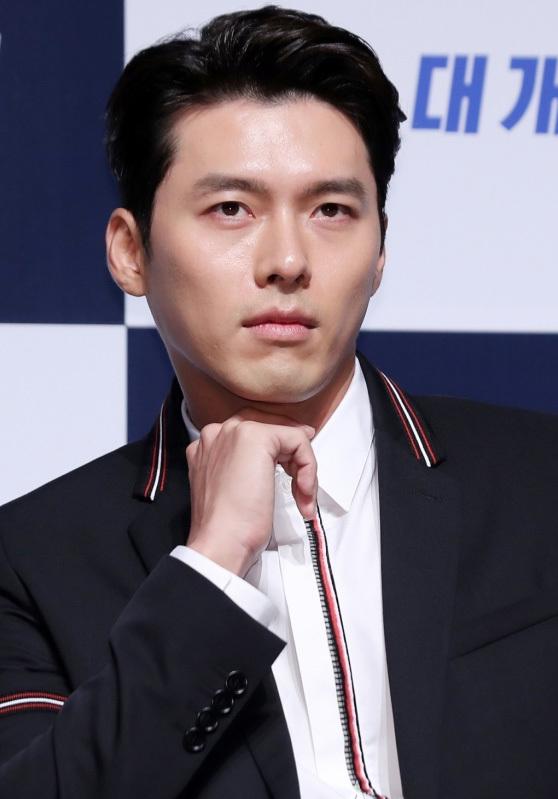 Son Ye Jin duoc khen dep doi ben Hyun Bin