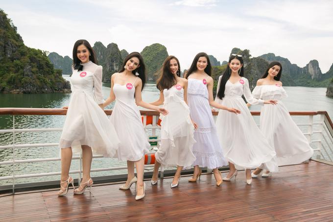 Thí sinh Hoa hậu Việt Nam khoe dáng trên du thuyền năm sao