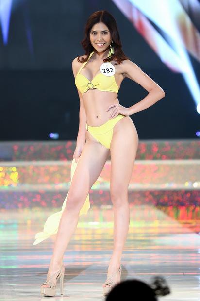 Thi sinh Hoa hau Sieu quoc gia Viet Nam dien bikini