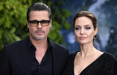 Brad Pitt phát óm khi Angelina Jolie cong khai chuyẹn chia quyèn nuoi con