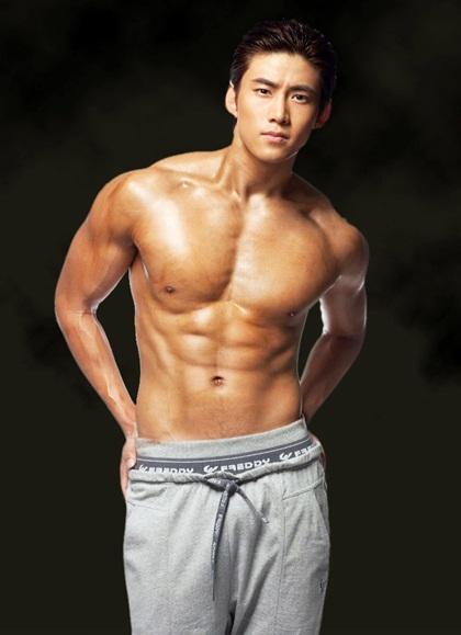 Ca si than tuong xu Han thuoc so it duoc khen nam tinh