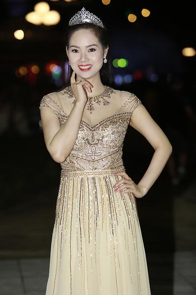Mai Phương trọng đêm Gala 30 năm Hoa hậu Việt Nam.