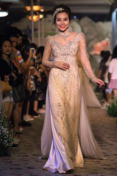 áo dài cưới cách tân của minh châu - 11