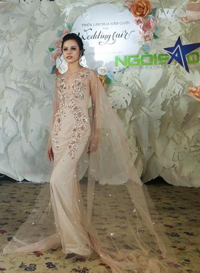 phan quốc an ra mắt váy cưới ren xuyên thấu - 6
