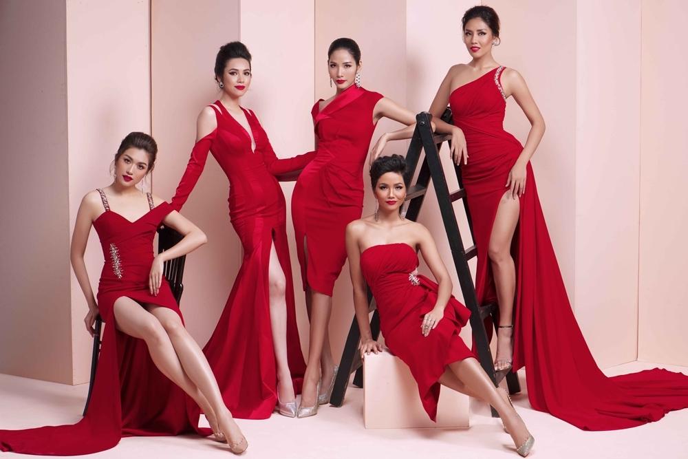 H'Hen Niê diện váy dạ hội tôn dáng bên dàn á hậu
