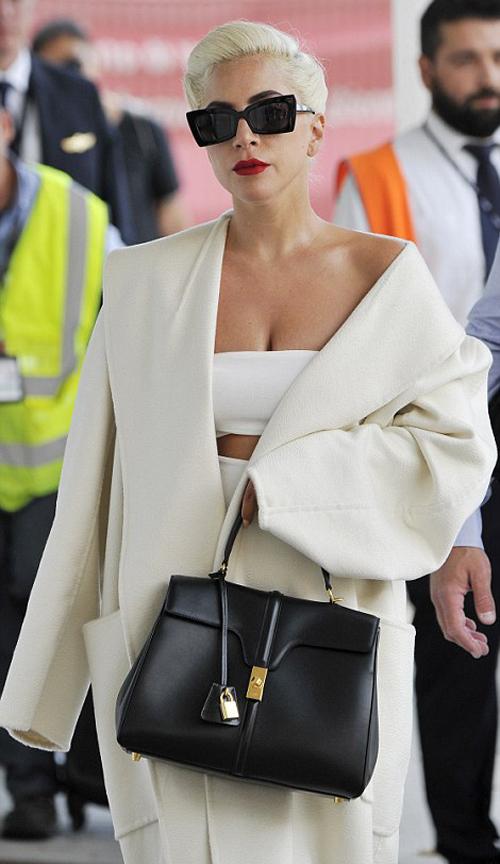 Lady Gaga theo mot khoe noi y o Venice