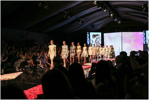 ntk phương my mở màn vancouver fashion week tại canada