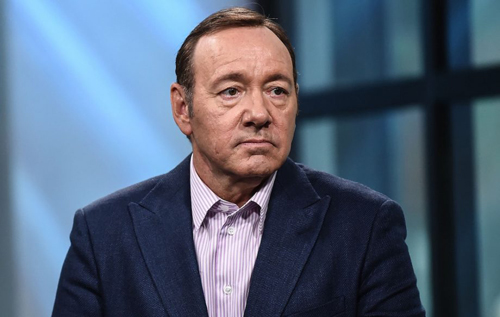 Kevin Spacey khong bi buoc toi tan cong tinh duc