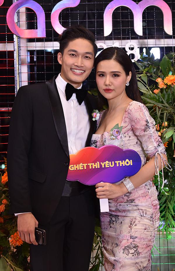 Nha Phuong dien dam cong chua tren tham do