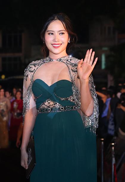 Dan sao du chung ket Hoa hau Viet Nam 2018