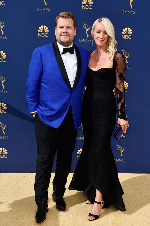 Cac cap sao tinh tu tren thảm dỏ Emmy 2018