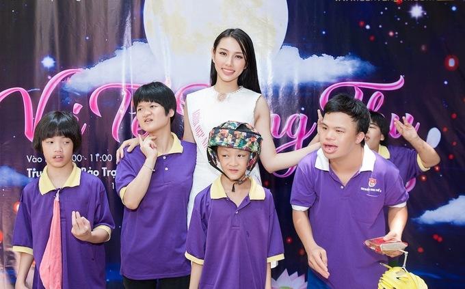 Tan Hoa hau Viet Nam tham tre tan tat mo coi o TP HCM