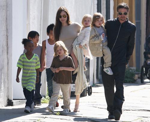 Jolie - Pitt doi mat nhieu van de sau hai nam chia tay