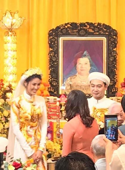Le an hoi cua Lan Khue va doanh nhan Viet kieu